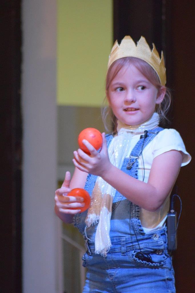 2017-06-spectacle-ce1e-princesse-alagomme (16)