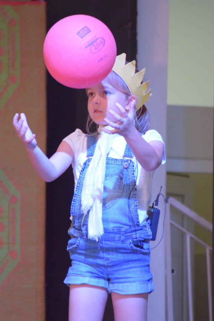 2017-06-spectacle-ce1e-princesse-alagomme (20)