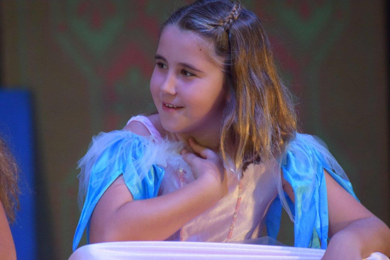 2017-06-spectacle-ce1e-princesse-alagomme (32)