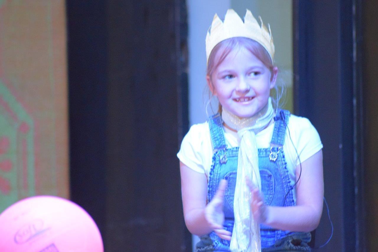 2017-06-spectacle-ce1e-princesse-alagomme (9)