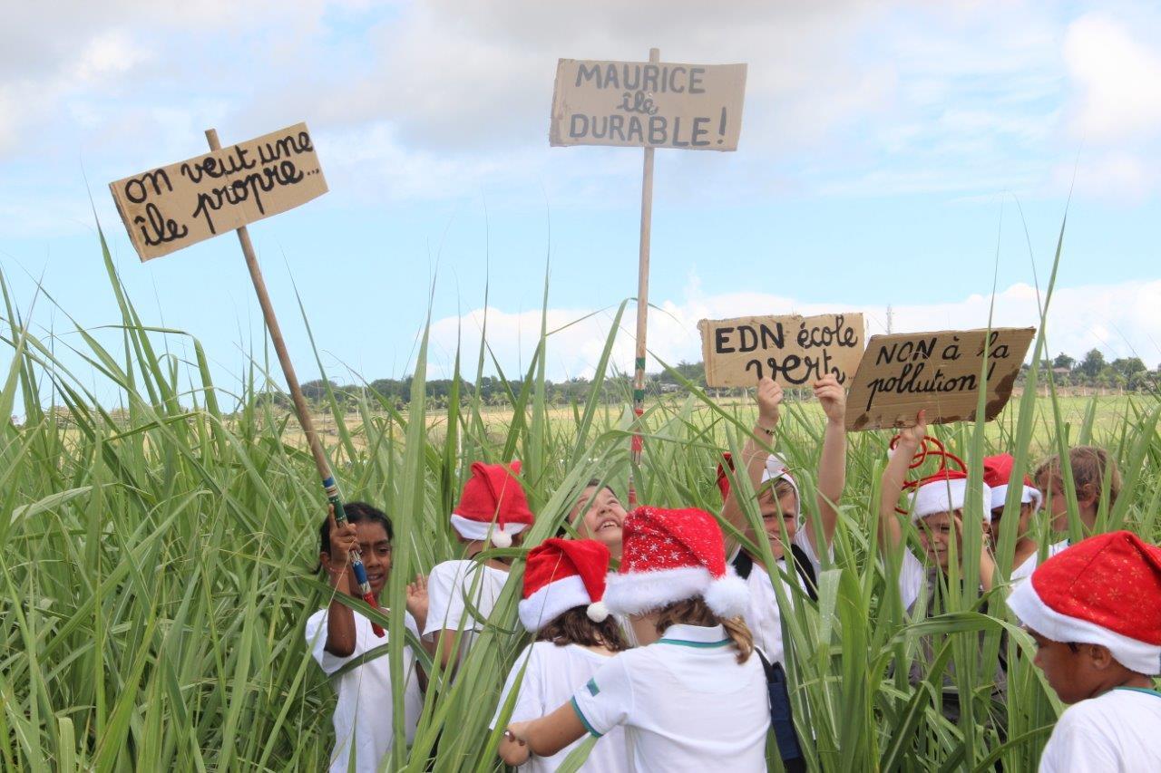 2018-non-a-la-polution-bonnets-rouges (24)