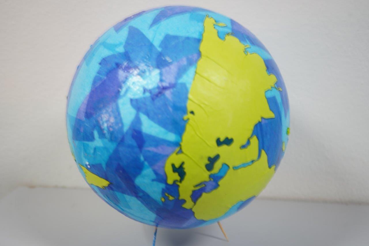 2019-exposition La representation de la Terre vue par les enfants (14)