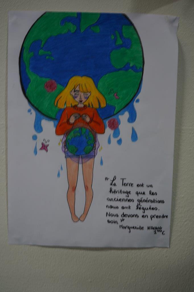 2019-exposition La representation de la Terre vue par les enfants (19)