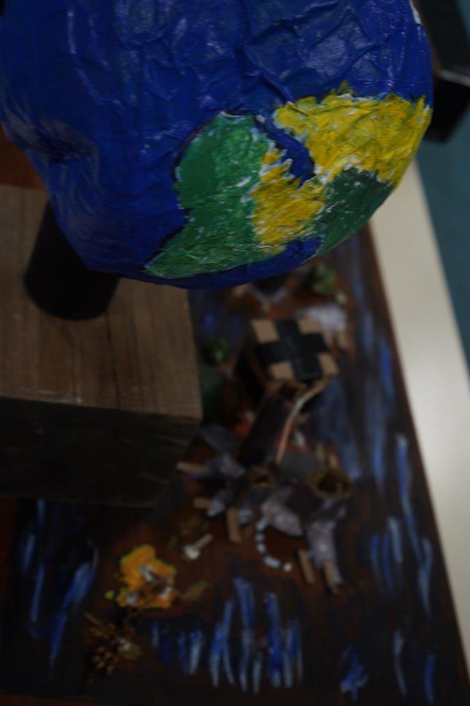 2019-exposition La representation de la Terre vue par les enfants (21)