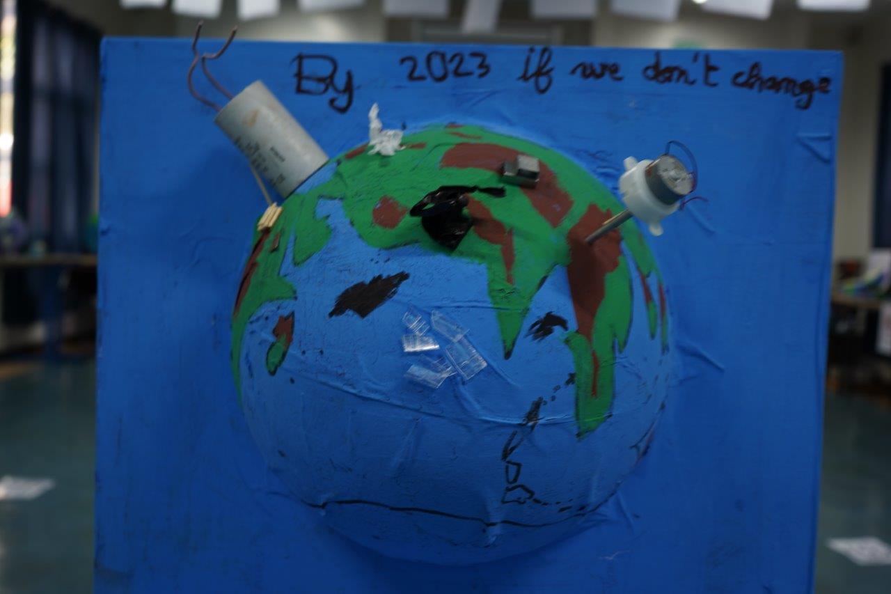 2019-exposition La representation de la Terre vue par les enfants (27)