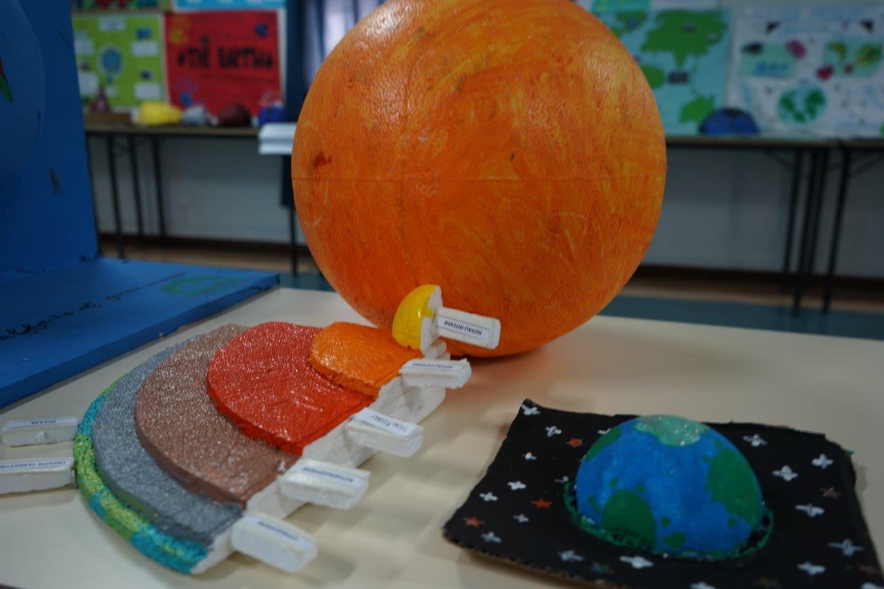 2019-exposition La representation de la Terre vue par les enfants (28)