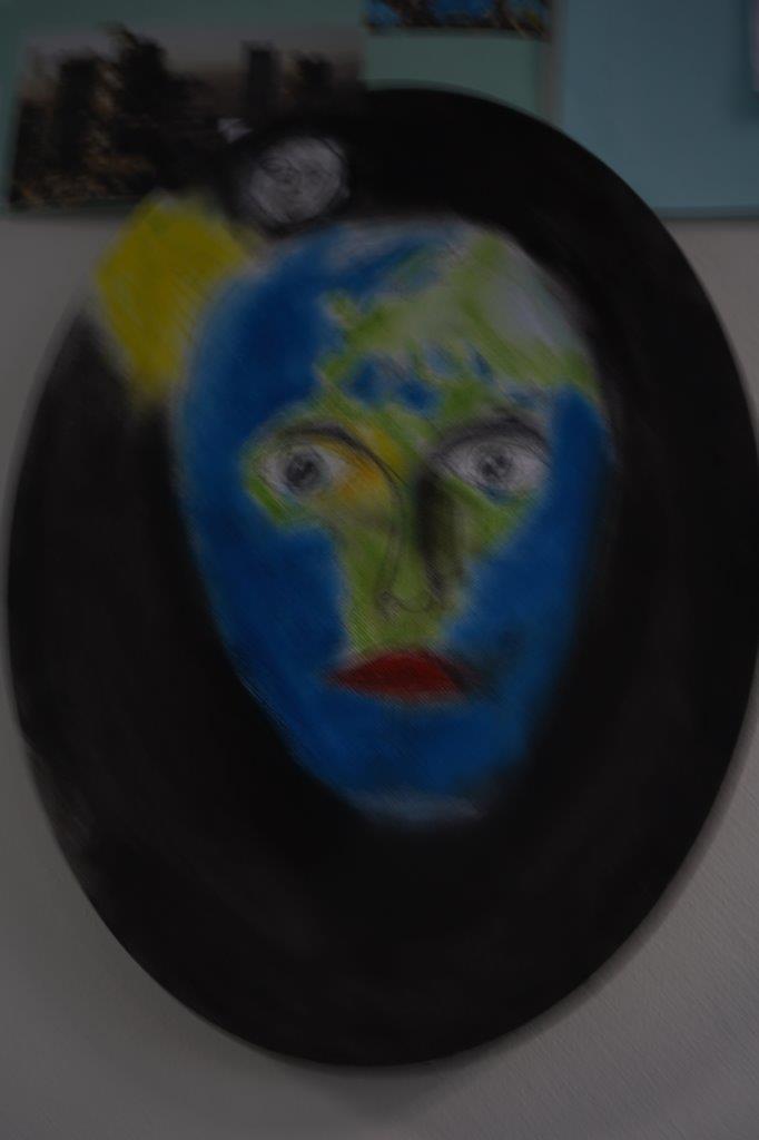 2019-exposition La representation de la Terre vue par les enfants (31)