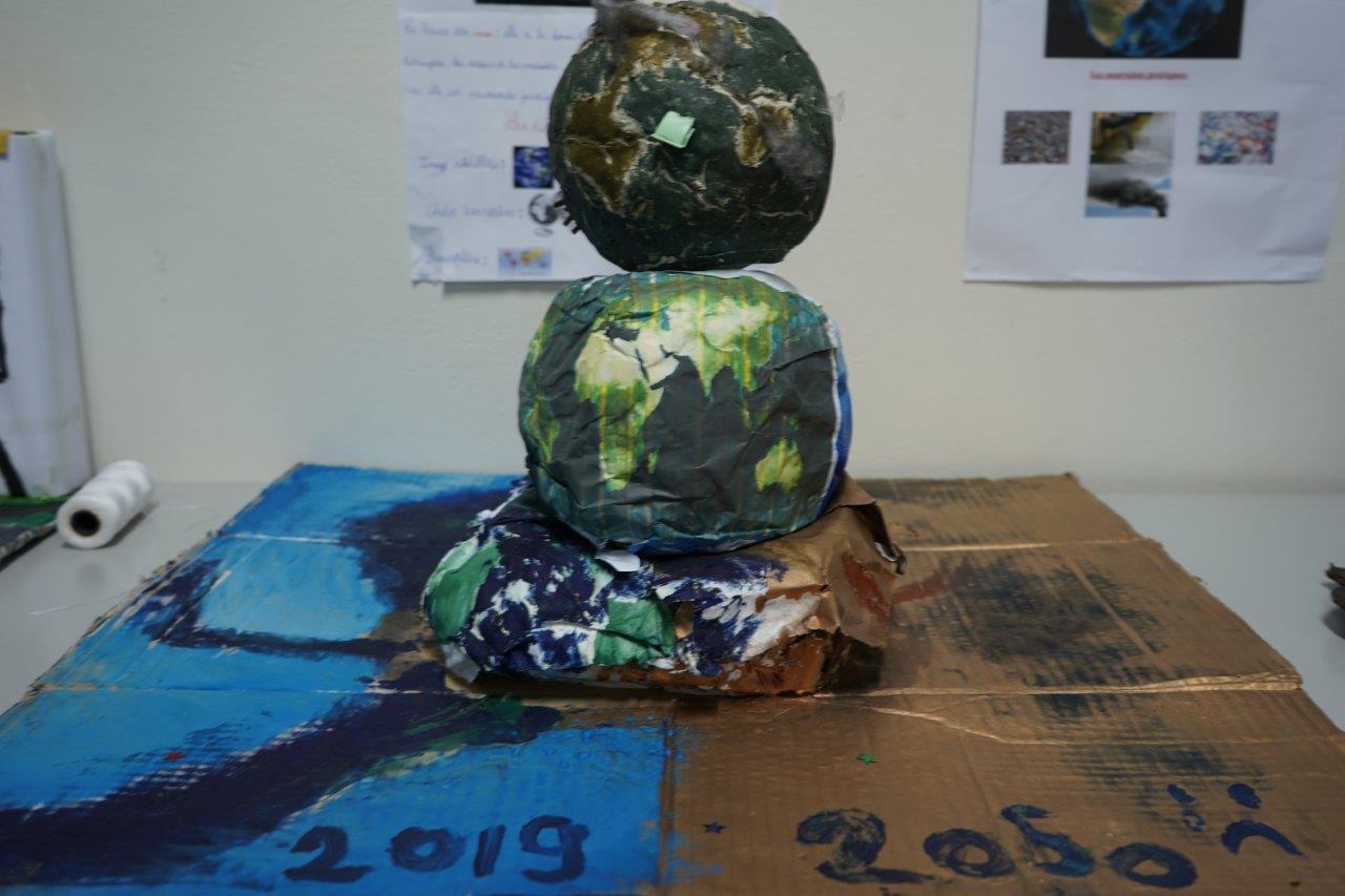 2019-exposition La representation de la Terre vue par les enfants (34)