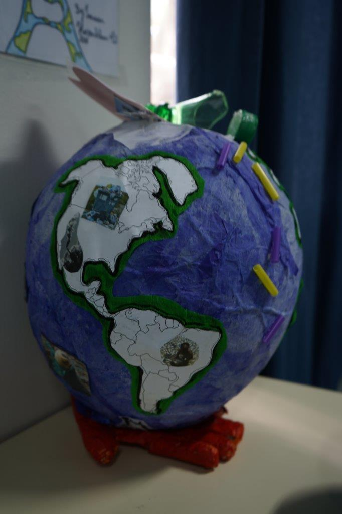 2019-exposition La representation de la Terre vue par les enfants (55)
