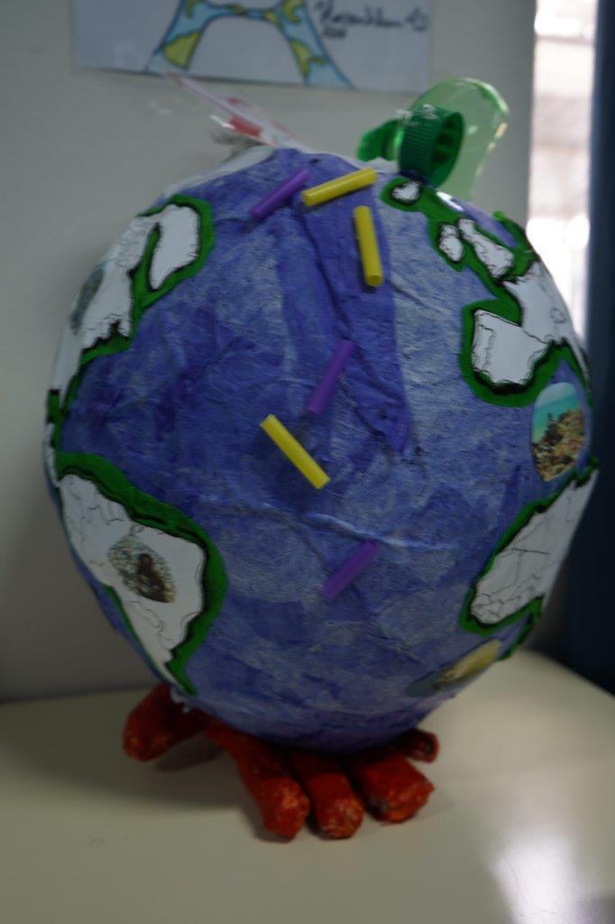 2019-exposition La representation de la Terre vue par les enfants (56)