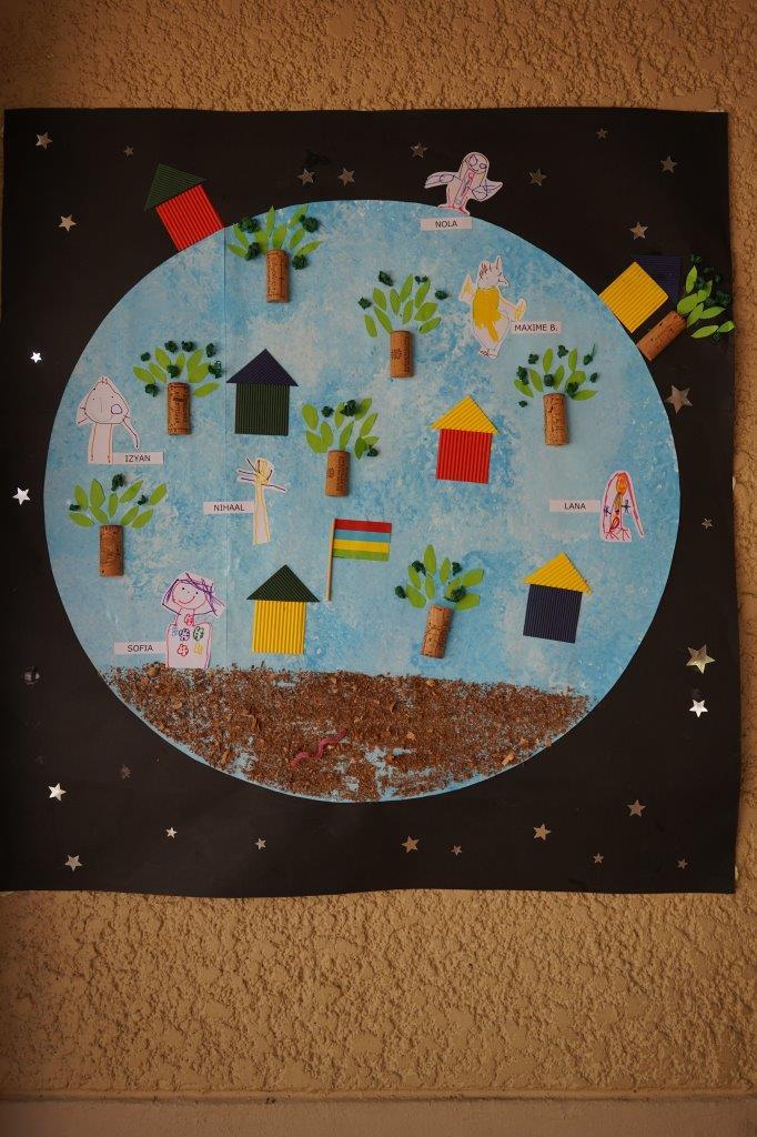 2019-exposition La representation de la Terre vue par les enfants (6)