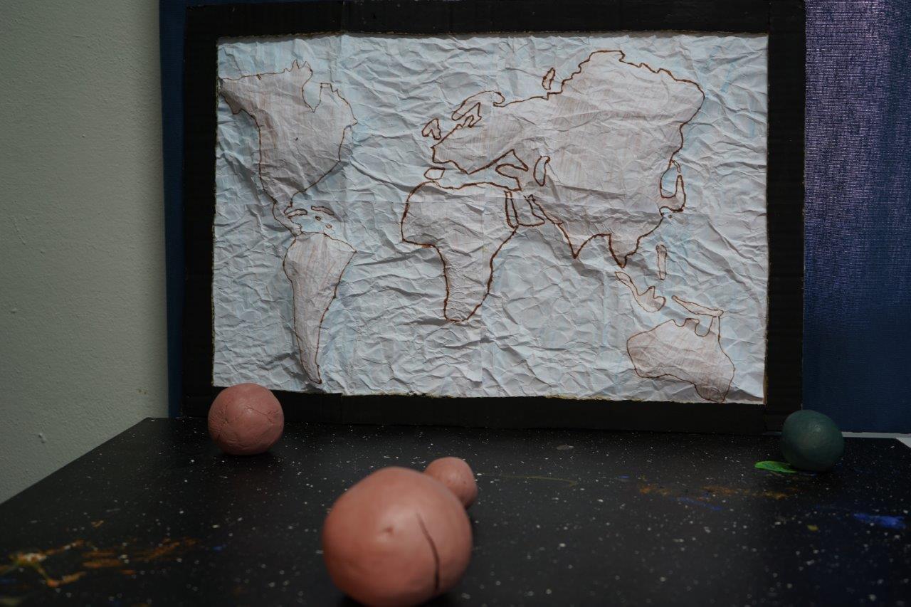2019-exposition La representation de la Terre vue par les enfants (7)